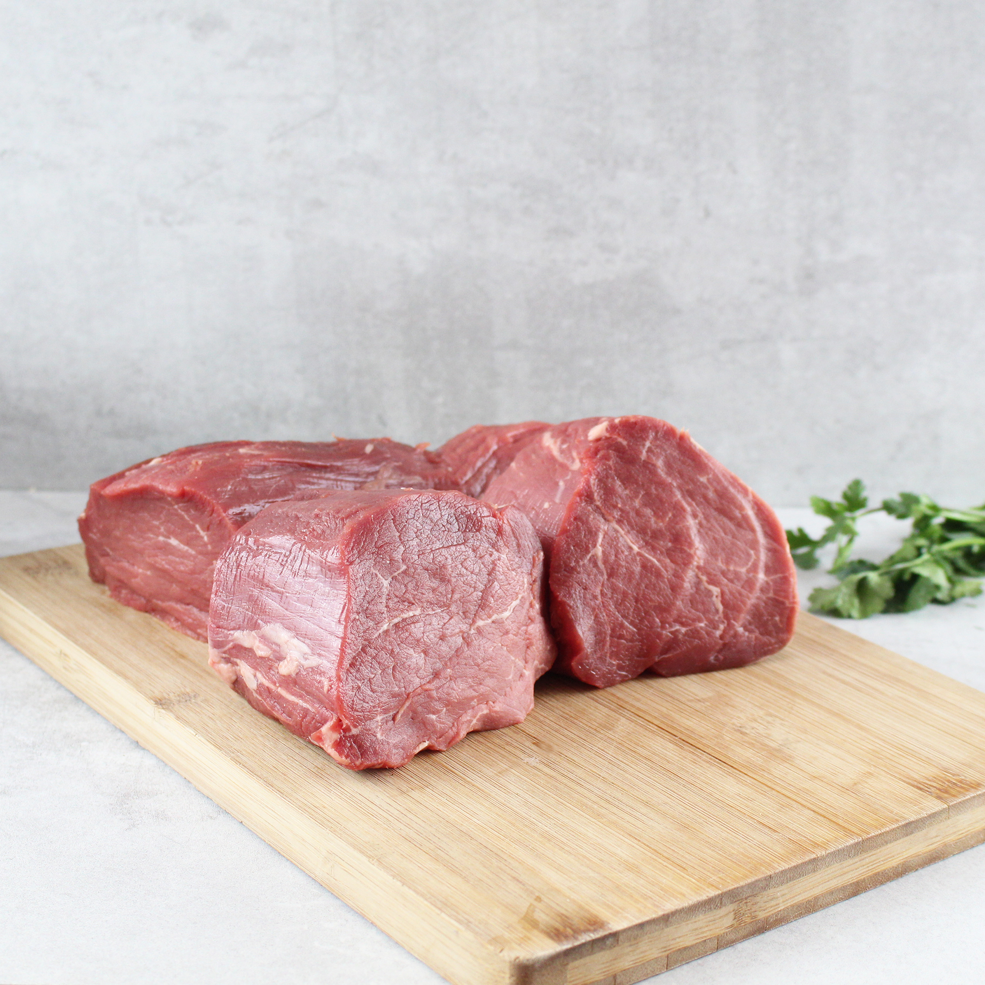 dry-aged-rinderfilet-faerse-d.-ca.-23-30-kg-stueck-markthalle20-1